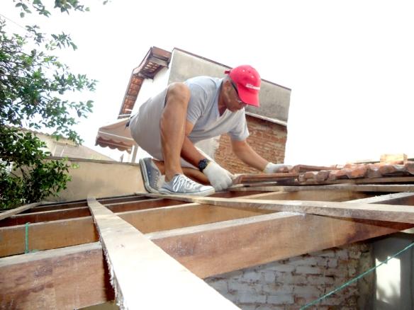 conserto-telhado-limpeza-de-calhas-multipros